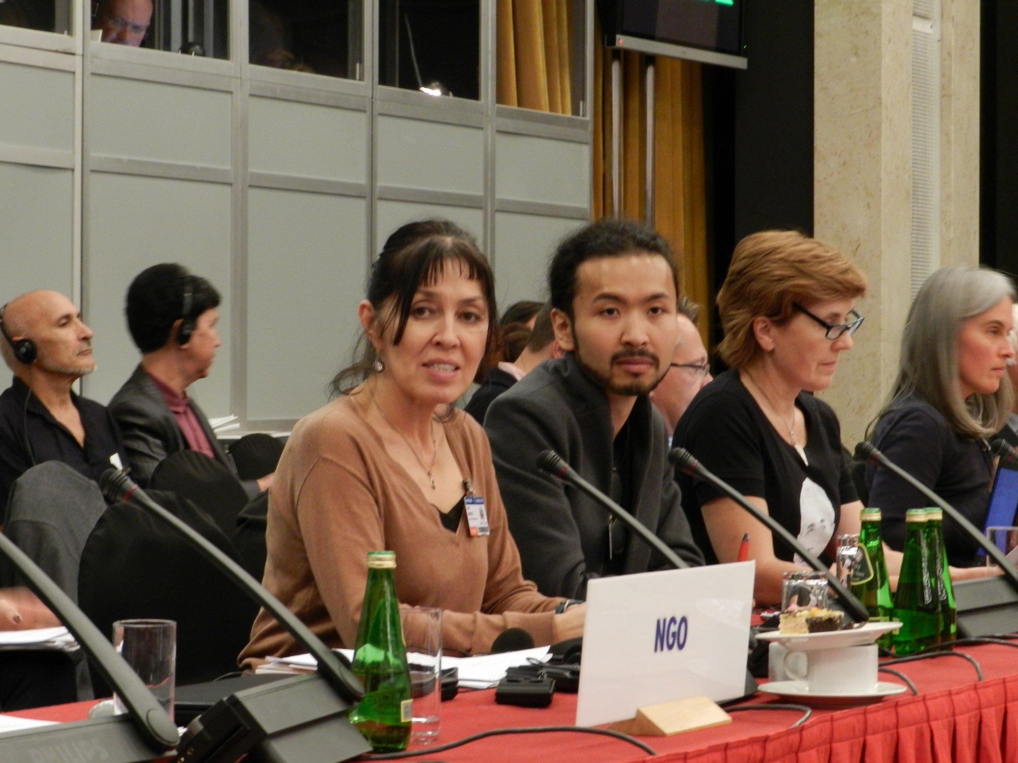 Konferencja OBWE - Balli Marzec i Askar Ajdarchan, syn dysydenta z czasów ZSSR Arona Atabeka, skazanego na 18 lat więzienia w Kazachstanie. 2014r.