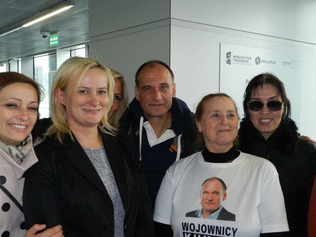 Paweł Kukiz, lider komitetu Kukiz'15 ze swoją drużyną. Lucyna Wądołkowska, Balli Marzec.